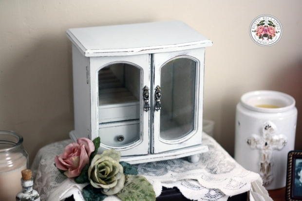 Jewellery Box Makeover with Country Chic Paint